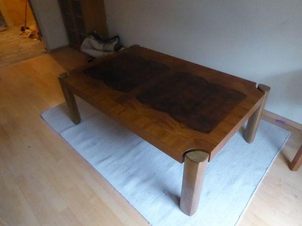 Wohnzimmertisch mit tollem Furnier Tisch