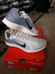 Schuhe Nike neu mit eticket