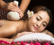 Traditionelle Thai Massage Aromamassage Ölmassage