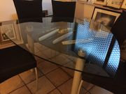 Moderner Esstisch aus