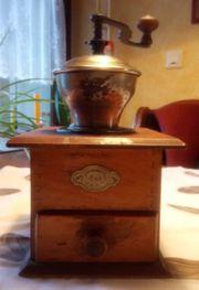 Antike Kaffee-Handmühlen LEINBROCK s IDEAL