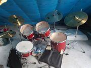 Schlagzeug von Fame inkl Hocker