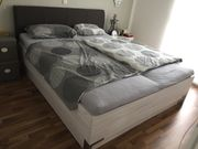 Doppelbett mit Schubladenkasten