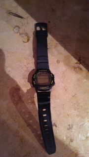 CASIO Digitalarmbanduhr zu verkaufen
