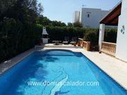 Komfortable Doppelhaushälfte mit eigenem Pool