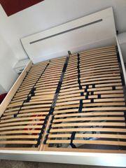 Doppelbett mit Lattenrost