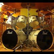 Rock-Drummer 50J aus ME Hilden