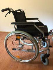 Rollstuhl, Rollator und