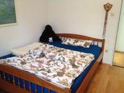 Schlafzimmer aus Kirschholz