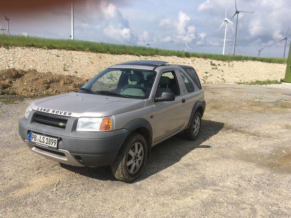 2 Land Rover Freelander zum