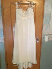 Brautkleid in Empirelinie Umstandsbrautkleid