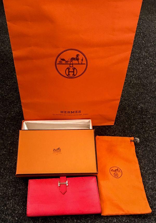 0972dbc7488fd Portemonnaie günstig gebraucht kaufen - Portemonnaie verkaufen ...