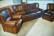 Leder-Couchgarnitur bestehend