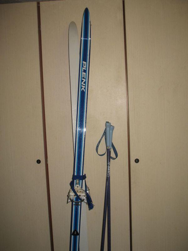 Langlauf Ski 185 cm mit Schuhen fast geschenkt - München Hadern - Schuppen Ski mit Stöcken 130 cm Schuhe Gr. 40 gut erhalten - München Hadern