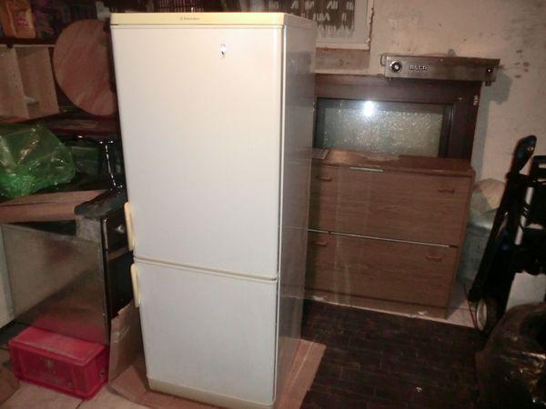 Aeg Kühlschrank Einbau : Aeg elektrolux kühlschrank mit dem gefrierschrank in sinsheim