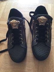 Tam Boga Schuhe