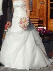 Hochwertig, verarbeitetes Hochzeitskleid,