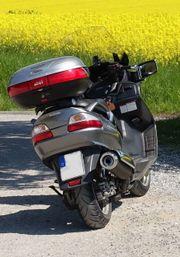 Suzuki Burgman- Roller