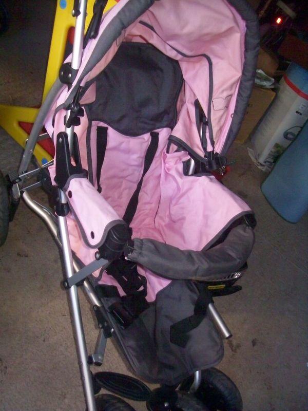 Zwillingskinderwagen -verschiedene Kinderwagen