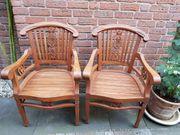 Stühle aus massiven Teak Holz