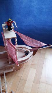 Piraten-Holzschiff mit