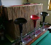 Massive Bar aus Holz